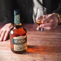 Henry-McKenna-Single-Barrel-Bourbon